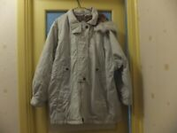 Large size 20/22 light weight Women's white Coat with fur hood