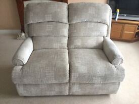 Settee and two reclining arm chairs excelent condition as new suitable for cottage or flat