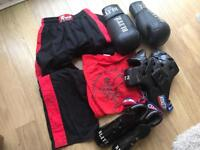 Fighting kit and accessories