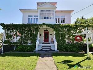 229 000$ - Maison 3 étages à vendre à Mont-Joli