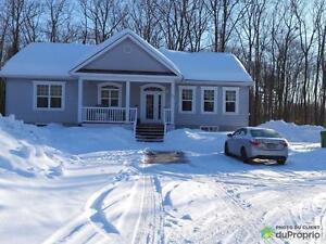 325 000$ - Bungalow à vendre à Lochaber-Partie-Ouest Gatineau Ottawa / Gatineau Area image 1