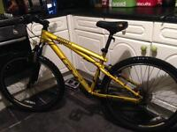"GT CHUCKER 3.0 DIRT ROAD BIKE ""reduced for quick sale"""