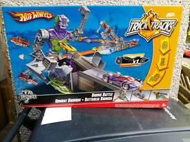 Hot wheels bionic battle