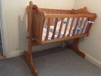 Mumas & papas crib and crib bedding