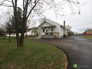 $479,000 - Bungalow for sale in Cambridge
