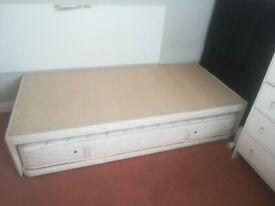 Guest Single Pull Out Bed that become a double bed