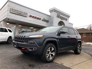 2017 Jeep Cherokee TRAILHAWK,ALLOYS,NAV,LOCAL TRADE IN