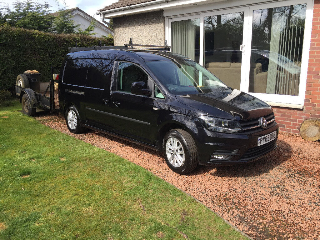 stunning black pearlescent 1 owner vw caddy maxi highline. Black Bedroom Furniture Sets. Home Design Ideas