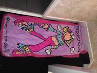 Groovy chick bed