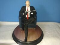 ULTRA RARE PS2 HITMAN FIGURE SUPERB CONDITION BASE 10 INCHES HEIGHT 10 INCHES