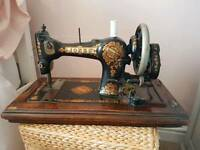 Singer Vintage Sewing Machine 98k with box and instruction leaflet