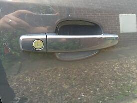 Door handle and door lock for corsa D in grey