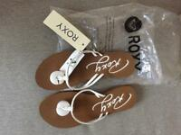 NEW - Roxy sandals
