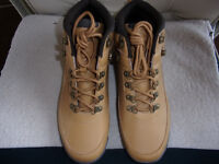 BRAND NEW PENGUIN BOOTS SIZE 9 1/2