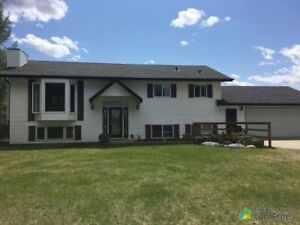 $469,900 - Bi-Level for sale in Parkland County