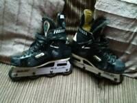 Bauer roller skates
