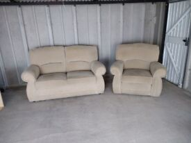 CREAM TWO SEAT SOFA AND RECLINER CHAIR