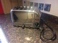 Dualit 4 slice toaster. Immaculate design classic
