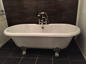 Acrylic Roll Top Bath