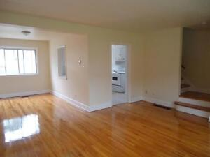 OPEN HOUSE 3BRDM TOWNHOME FOR MAY 15 / JUNE ! GREAT LOCATION
