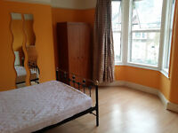 Large Double rooms to near Leyton East London Central line
