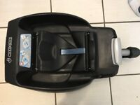 Maxi-cosi easyfix base) will fit in any car in great condition. collect from dagenham essex