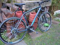 Merida Crossway 20-MD mans hybrid bike