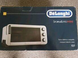 Delonghi mini oven New in box