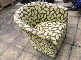 Hardly used very beautiful sofa chair in very good condition