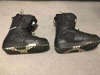 Burton Moto snowboard boots size 8.5 (fit like a 9)