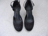 Lovely pair of New Look black wedges with embroidered detail and ankle strap size 5