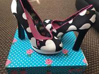 Babycham high heel shoes size 6