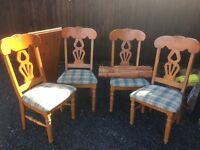 Dining table with 4 chairs - extendable table, upholstered chairs