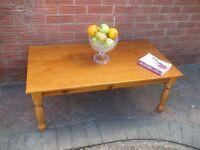 Pine coffee table vgc