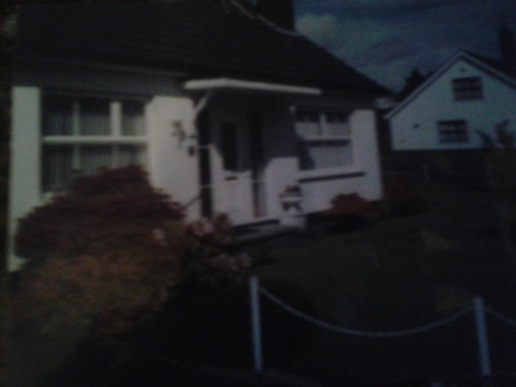 3 bed detached chalet bungalow to let