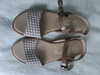 Beige Ladies Leather sandals size 34/2