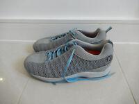 Pearl Izumi ladies MTB cycle shoes size 6.5