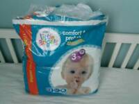 Size 3 nappies - almost full pack