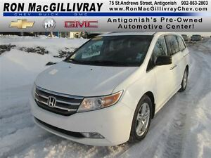 2011 Honda Odyssey Touring, .. Nav, Sunroof, Low kms, Summer and