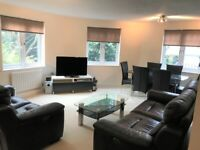 A modern and high spec 2 bed / 2 bath flat based close to all the amenities of beautiful Beckenham.