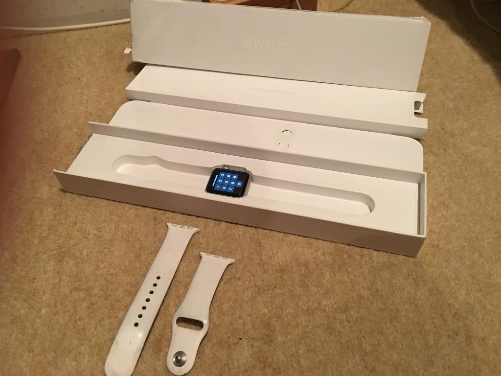 Apple Watch Grey 38mm | S2 | GLASS LCD BROKEN