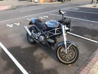 Ducati Monster 620S --------- Honda Yamaha Suzuki Kawasaki Streetfighter Cafe racer