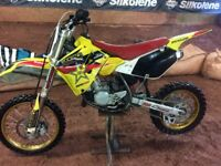 85CC SUZUKI RM 2010 - Perfect for racing and track riding; 11 up to 15 years. Big wheel tires.