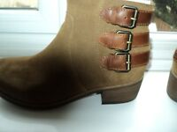 WOMENS UGG BOOTS SIZE UK 5.5