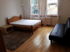 Superb Large Furnished Studio Flat Wimbledon / Raynes Park SW20