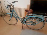 Ladies Hybrid City Bike In Good Condition with Lock and Lights