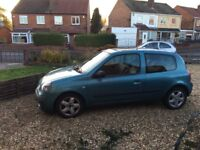 2004 renault clio 1.5 dci 🚗 MOT APRIL 2018 🚗 ONLY £30 TAX 🚗 OVER 60mpg 🚗 CHEAP WINTER CAR!