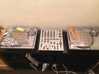 Technics SL-1200 MK5 x2 - with Behringer DJX 700 mixer & Ortofon MF7 cartridges