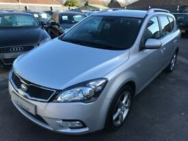 2010/10 KIA CEE'D 1.6 CRDI 3 5DR SILVER,DIESEL ESTATE,GREAT ECONOMY,GOOD SPEC,LOOKS AND DRIVES WELL
