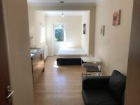 Studio - Ilford with own garden all bills included ex council tax IG1